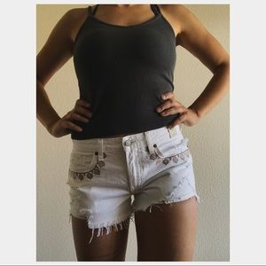 NEW Abercrombie White Embroidered Shorts